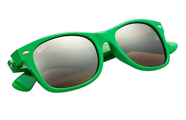 ray ban green wayfarer  Ray-Ban New Wayfarer Color Splash Green, RB2132