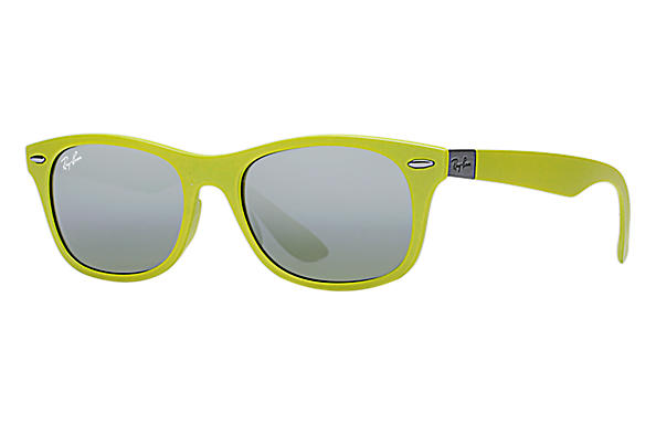 Ray-Ban 0RB4207-NEW WAYFARER LITEFORCE Green SUN