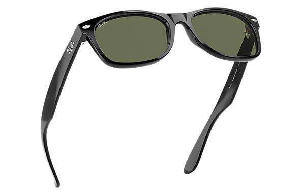 1a0657da5b83 Ray-Ban New Wayfarer Classic RB2132 Black - Nylon - Green Lenses ...