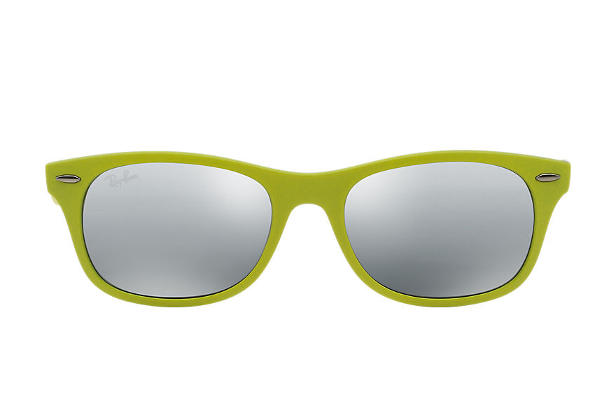 Ray-Ban  sunglasses RB4207 UNISEX 008 new wayfarer liteforce groen 8053672234022