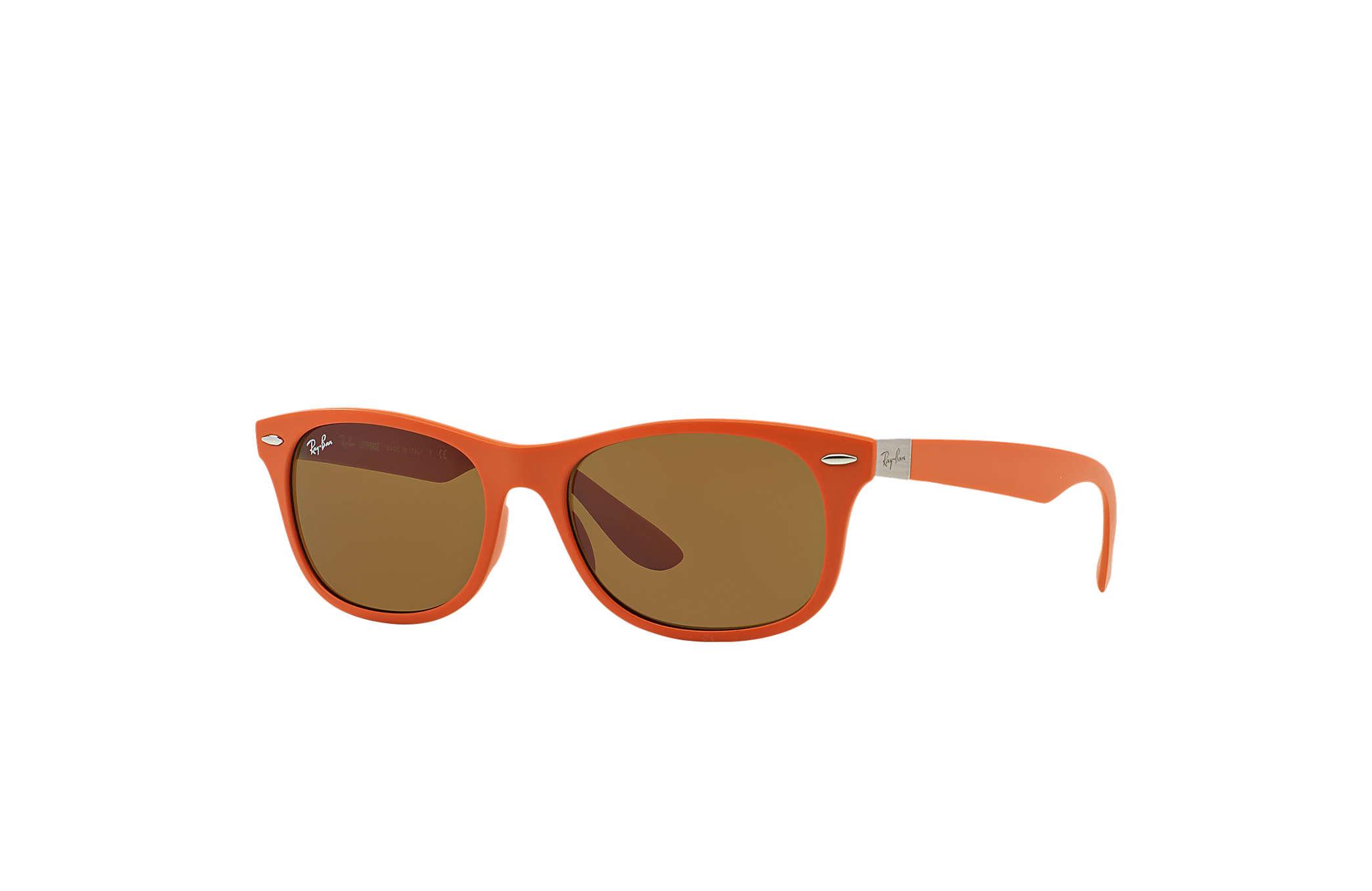 Ray-Ban New Wayfarer Liteforce RB4207 Orange - Liteforce - Gläser ...