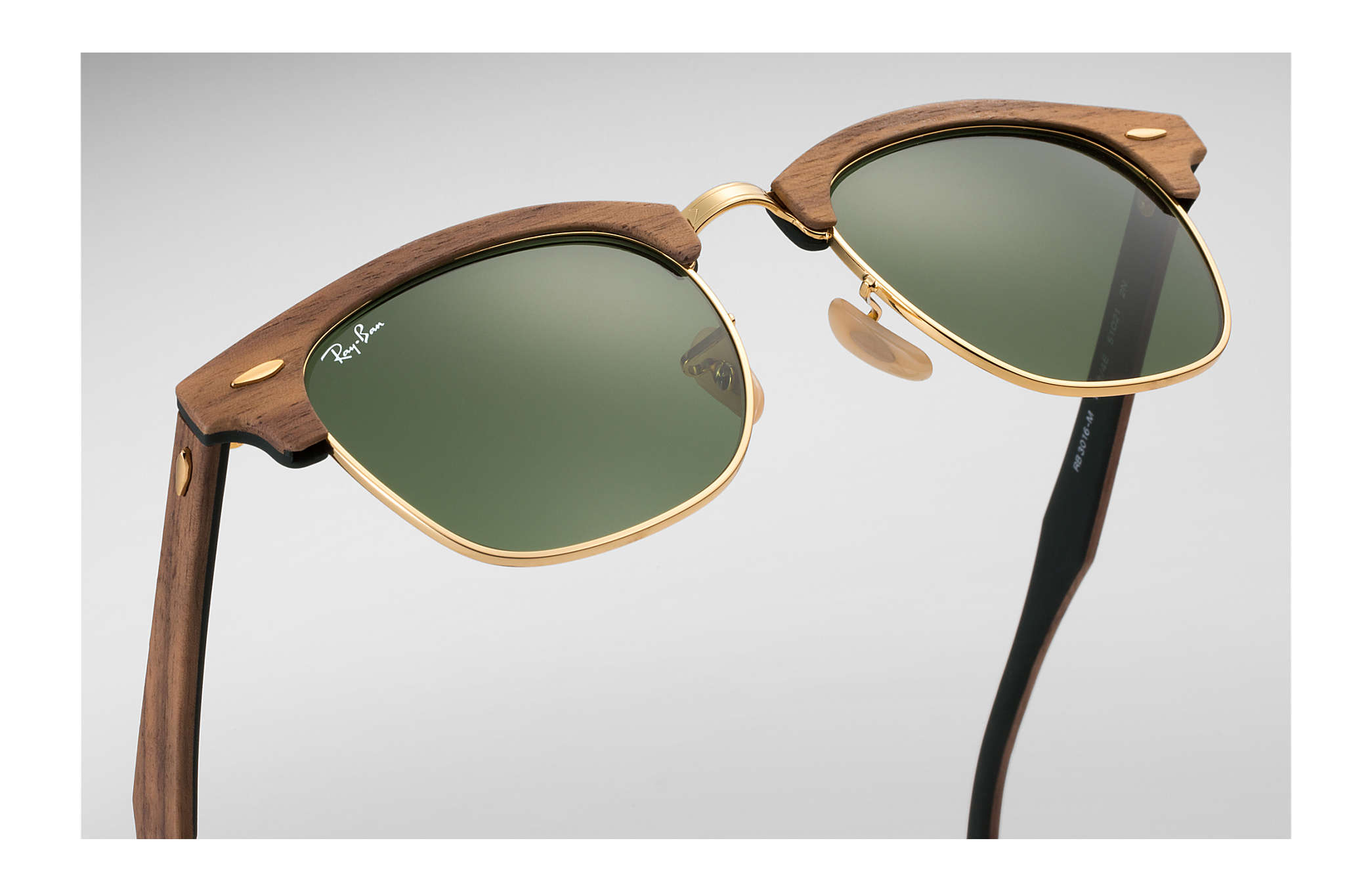 3ac056e362e58 Ray-Ban Clubmaster Wood RB3016M Brown - Wood - Green Lenses ...