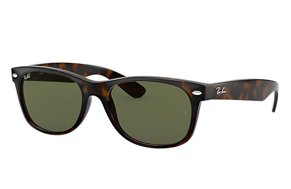 1bb3dc5d6cc Ray-Ban New Wayfarer Classic RB2132 Black - Nylon - Green Lenses ...