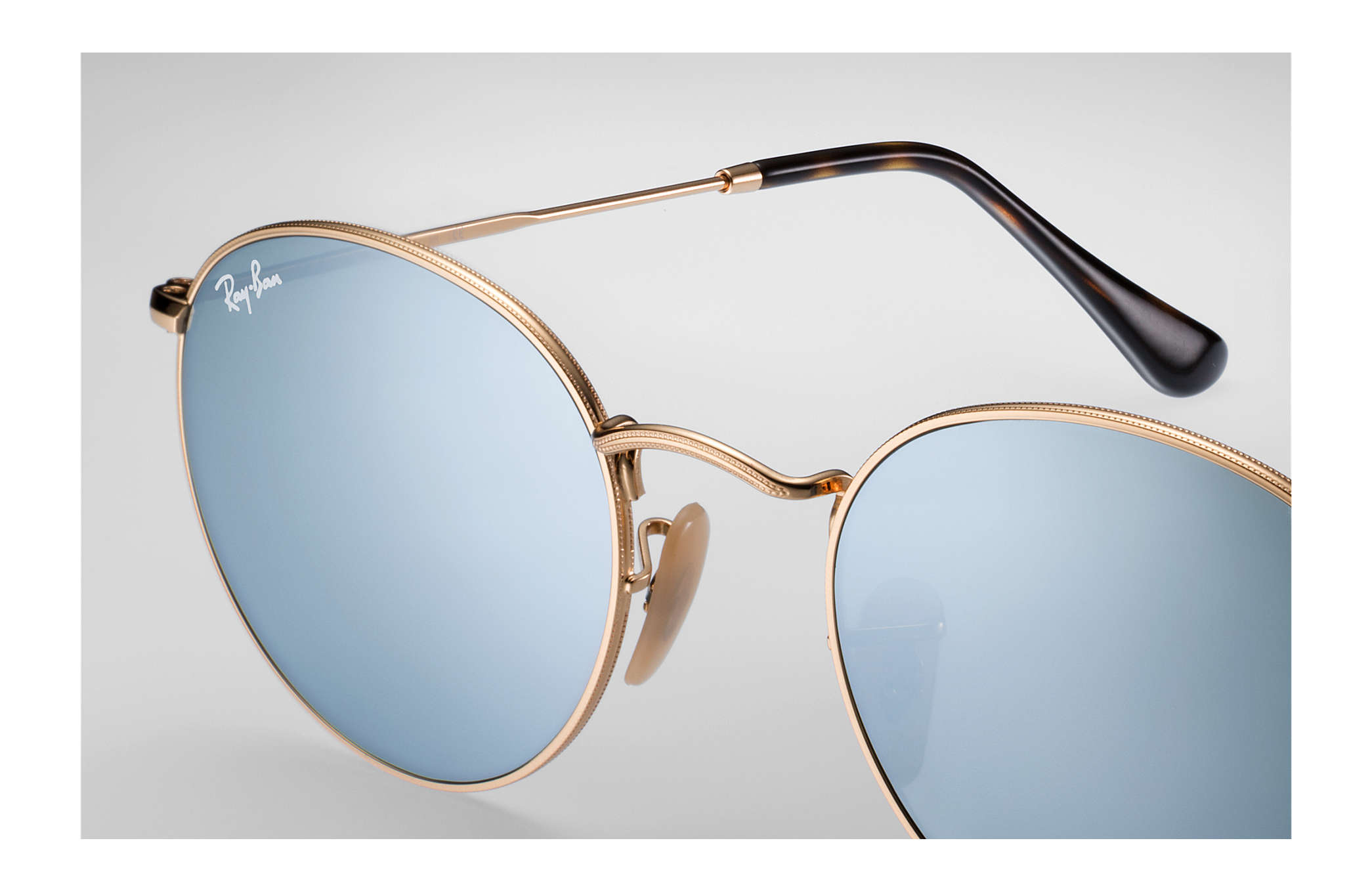 0c4fa81f2cf czech round sunglasses featuring ray ban rb3447 round metal youtube ac24d  7aaf5  amazon ray ban 0rb3447n round flat lenses gold sun 52ce6 73f89