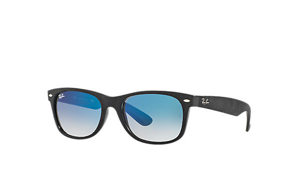 53a4fadba4 Ray-Ban New Wayfarer With Alcantara® RB2132 Azul - Nylon - Lentes ...