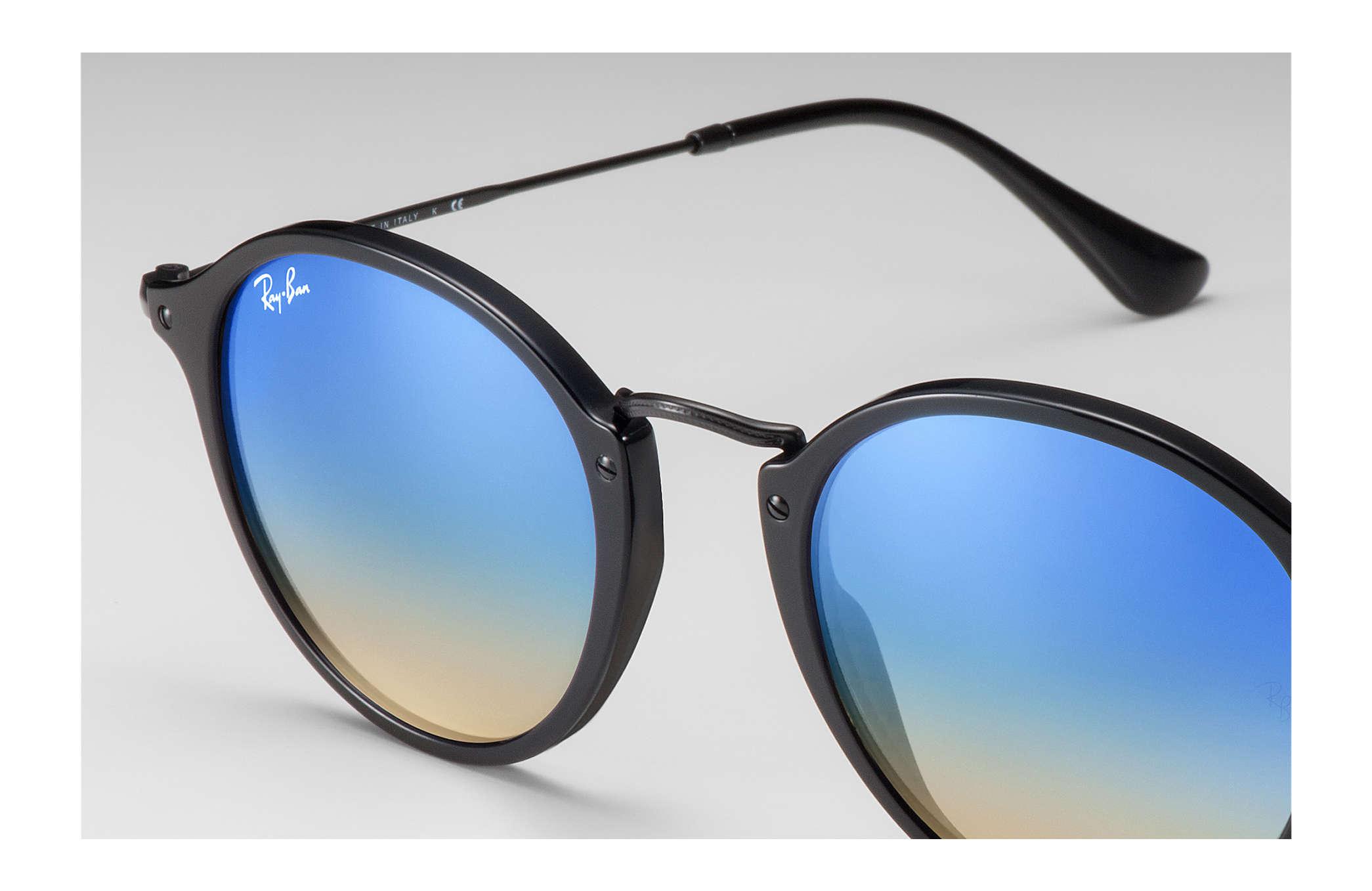 c25fbd1e0d4 Ray-Ban Round Fleck Flash Lenses Gradient RB2447 Black - Acetate ...