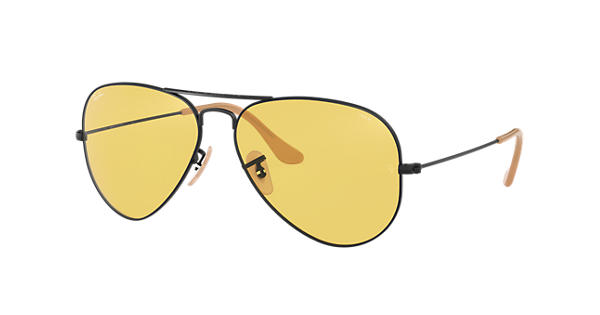 97cef3d983833 Ray-Ban Aviator Evolve RB3025 Preto - Metal - Lentes Amarelo -  0RB302590664A58   Ray-Ban® Brasil