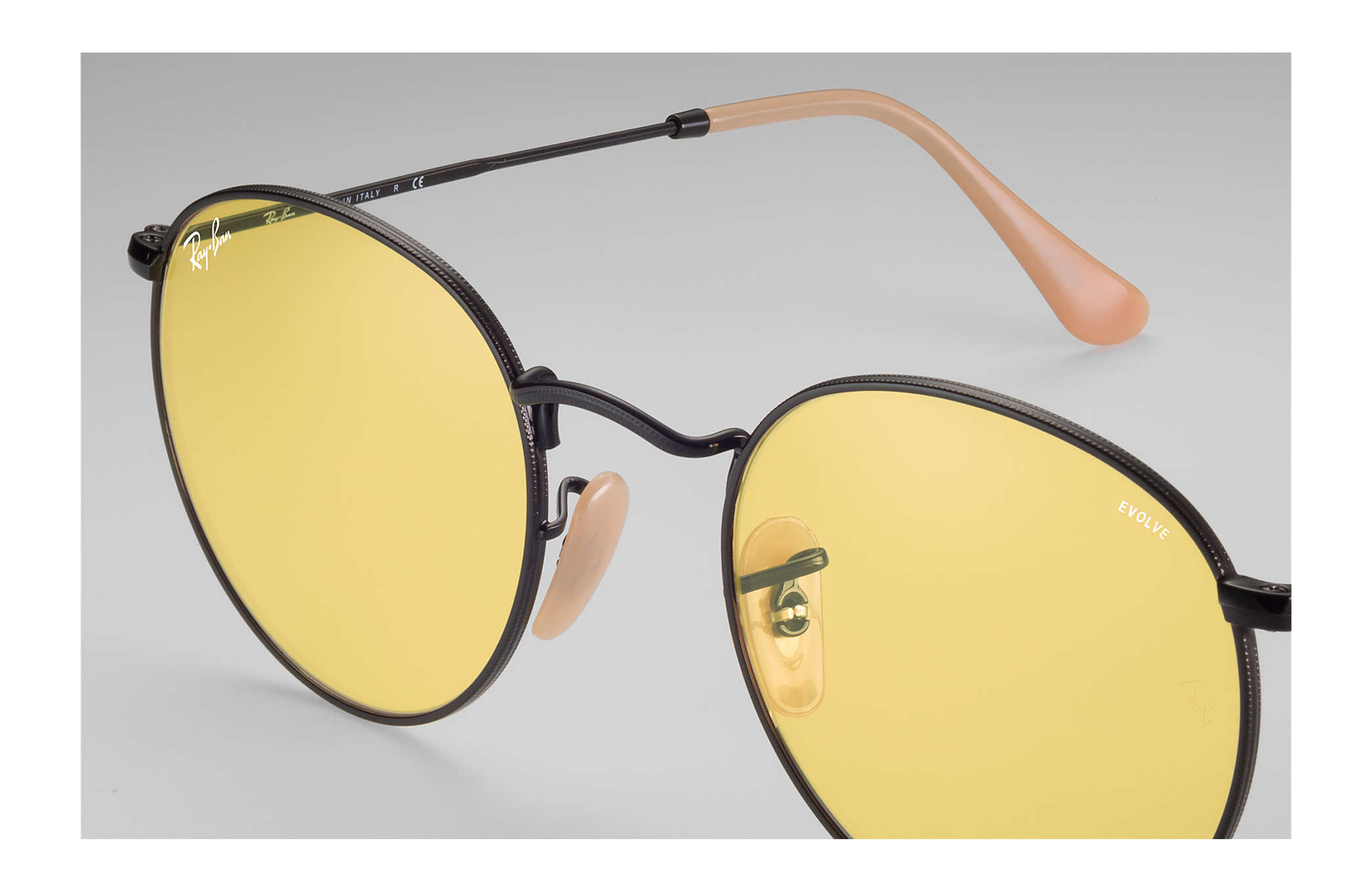 d43a21cf0c Ray-Ban Round Evolve RB3447 Black - Metal - Yellow Lenses ...