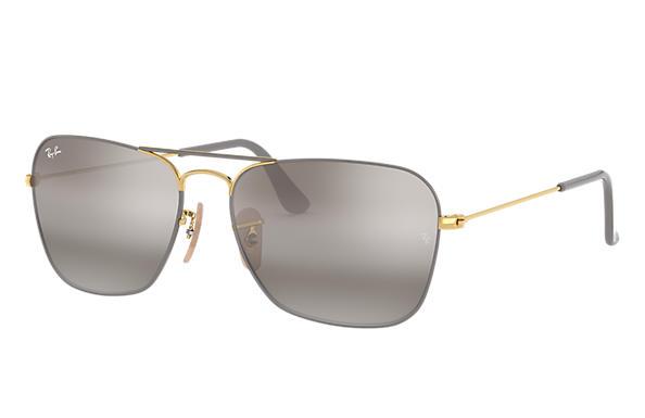 Ray-Ban		 0RB3136-CARAVAN Grey; Gold SUN