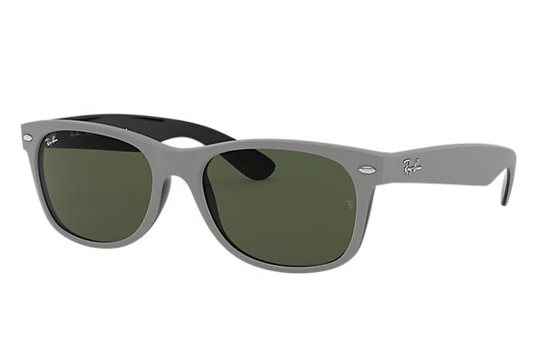 Ray-Ban Sunglasses NEW WAYFARER COLOR MIX Matte Green with Green Classic G-15 lens